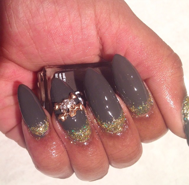 Vegas Nail Girl Sample